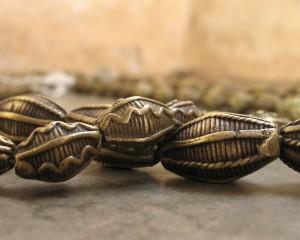 Perles en bronze